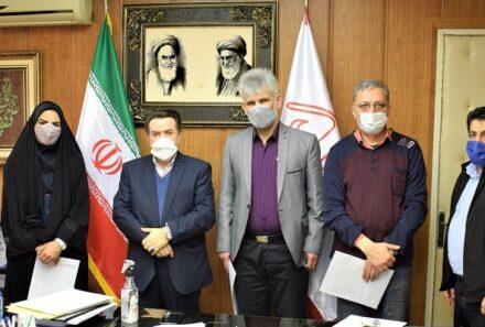 تقدیر دکتر فتحی پور از همکاران خانواده شهید شرکت شاهد